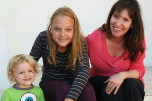 Lauren Kinghorn, Founder of Inspiring Mompreneurs with Benjamin (left) and Skyler (centre).