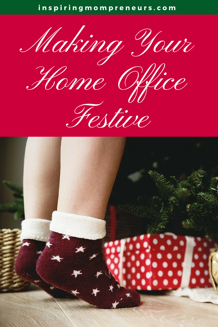Christmas is around the corner! Why not make your home office festive too. Let's bring on the Christmas Cheer.  | ChristmasDecoratingIdeasYourHome |