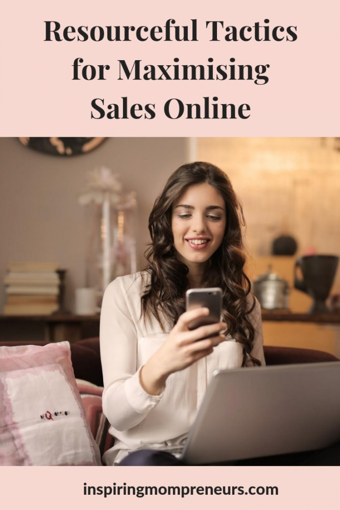 You know you have the perfect product or service and you know the time is right BUT you're just not getting sales? Try these expert tips.  #HowtoBoostSalesOnline
