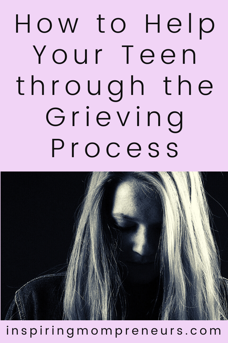 As a parent, it can be difficult to see your teen grappling with heavy emotions. Here are some approaches to help your teen through the grieving process.  #howtohelpyourteengrieve #grievingprocess #teengrief #parentingateen #teenager